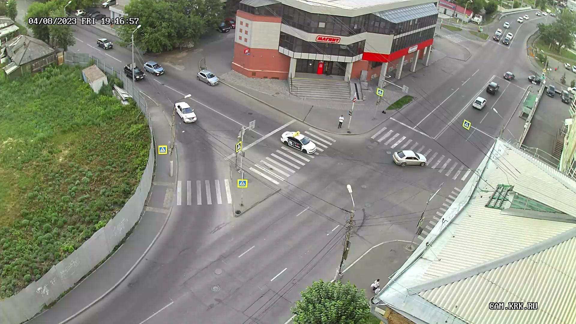 Веб камера Красноярск Супермаркет Магнит по улице Ады Лебедевой